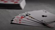 Czy granie w karty może czegoś nauczyć?